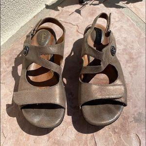 Clarks Tiffani Aldora Wedge Sandal 9